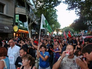 Miles de personas rumbo a la Plaza Mayor de Mallorca