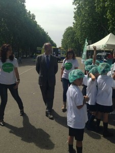 El alcalde de Valladolid se acercó por la Feria de los Cuidados #xtusalud