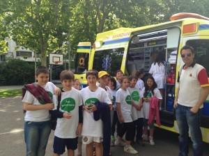 La ambulancia de Sacyl despertó gran interés entre niños y mayores #xtusalud