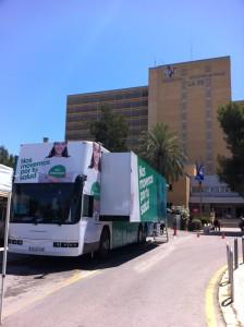 el autobus junto al hospital la fe de #valencia