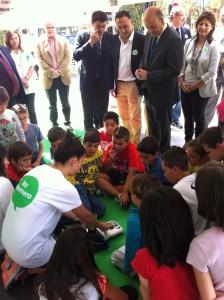 Distintas autoridades visitan la Feria de los Cuidados #xtusalud #Alicante